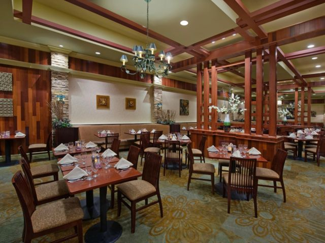 Dining at Crowne Plaza Cherry Hill